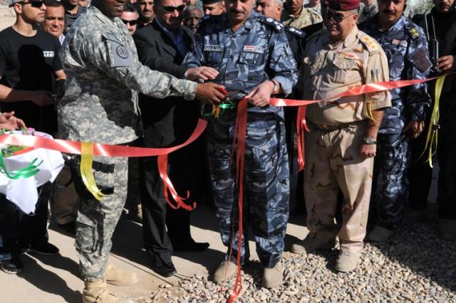 Iraqi border station opens modern housing facility