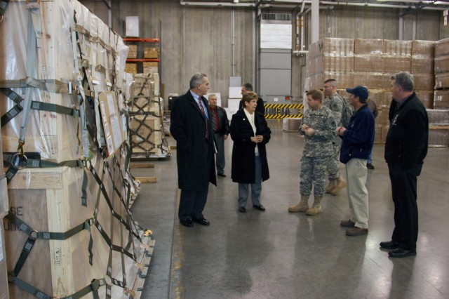 BG Tucker discusses operations at the DLA Distribution Susquehanna, Pa. Unit Materiel Fielding Point.