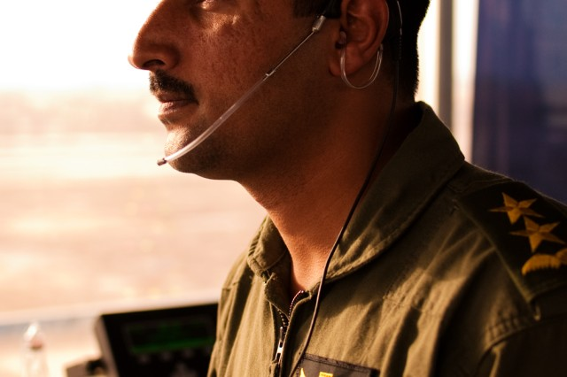 Iraqi air traffic controller takes skills test