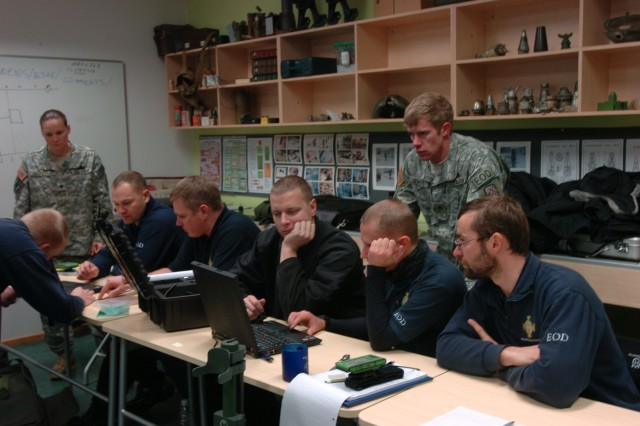 702nd EOD Soldiers train with Estonian civilian counterparts