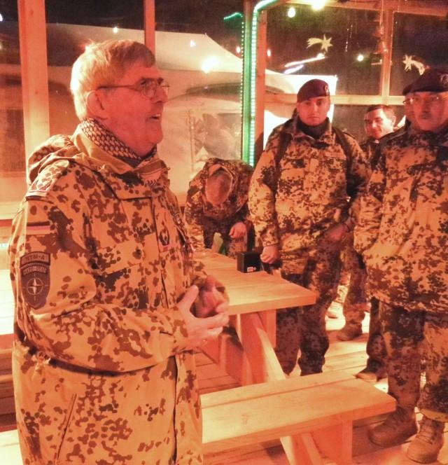 American general decorates German colonel in Afghanistan