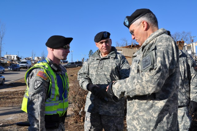 Army chief of staff recognizes Fort Leonard Wood tornado hero