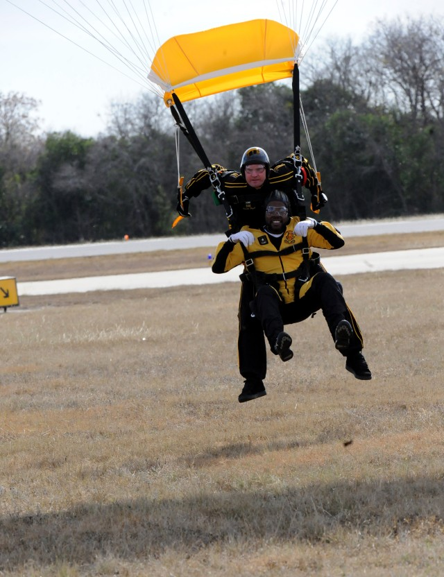Army supporters at bowl game soar with Knights