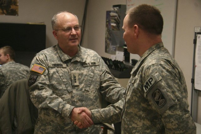 SMDC Commanding General Visits Missile Defense Soldiers