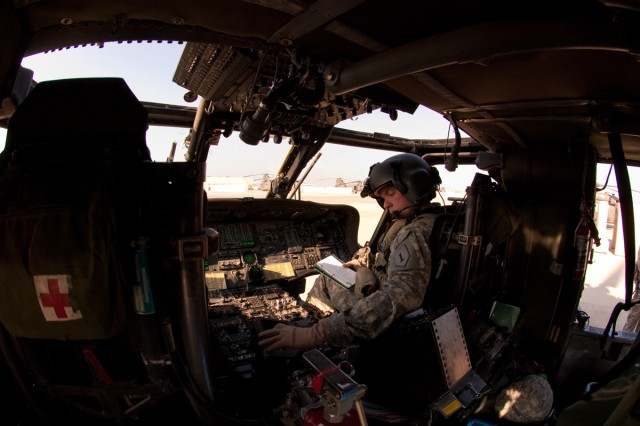 Black Hawk crews keep VIPs safe, mobile around Iraq
