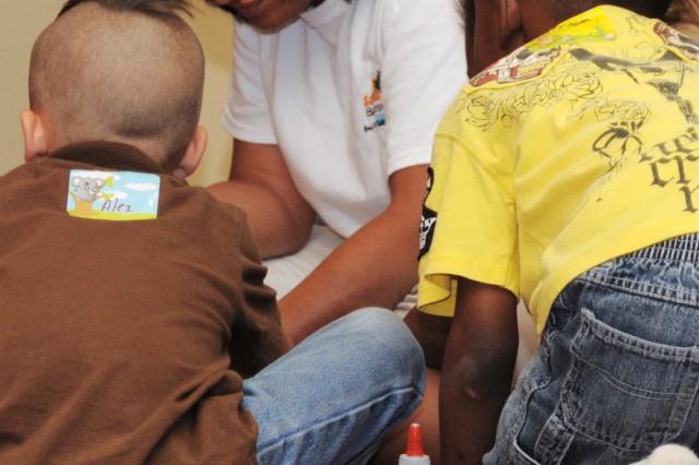 Army Reserve children work on crafts during a recent Yellow Ribbon Reintegration Program Workshop in Orlando Fla.