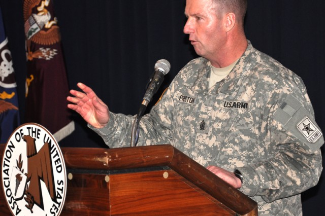SMA Preston speaks at AUSA luncheon