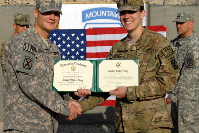 10th Mountain Division siblings reunite while deployed