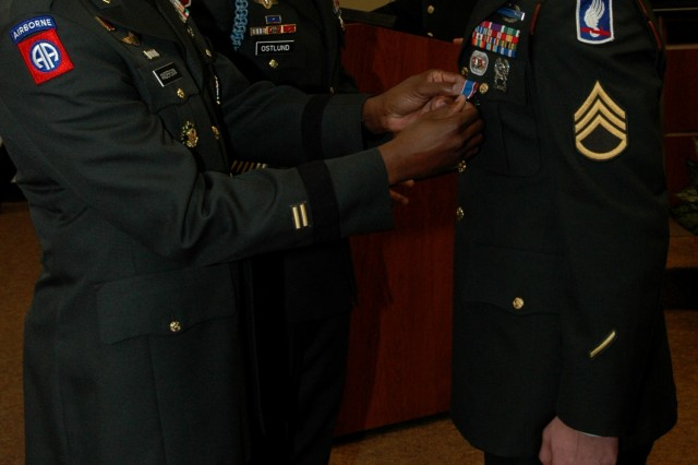 Task Force Bragg commander presents Distinguished Service Cross to Soldier for combat heroics