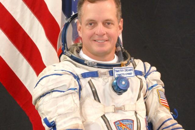 Army astronauts takes flight