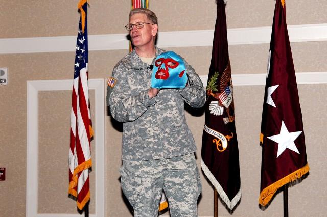 Lt. Gen. Schoomaker receives surprise award
