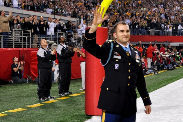 Medal of Honor hero attends Super Bowl XLV