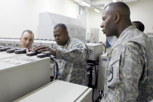 NETCOM Command Sgt. Maj. Visits Kuwait