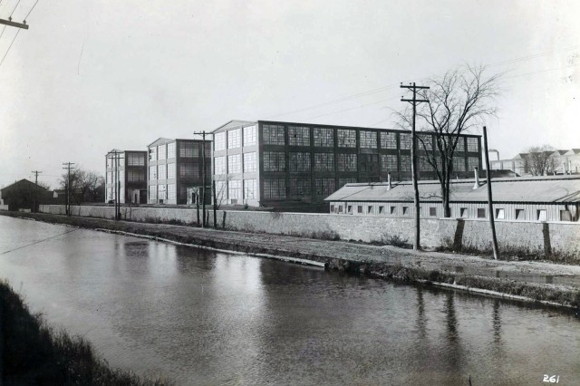By the early 1900s, the Erie Canal became more of a hindrance to manufacturing than a benefit.  This is a picture of the Canal in 1918, long after it had served its usefulness.  From the time the Canal was abandoned in the 1920s until it was filled in 1939, the Canal was a source of foul-smelling drainage.