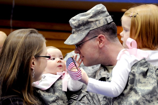 Fort Drum welcomes home 1st BCT Soldiers from Afghanistan