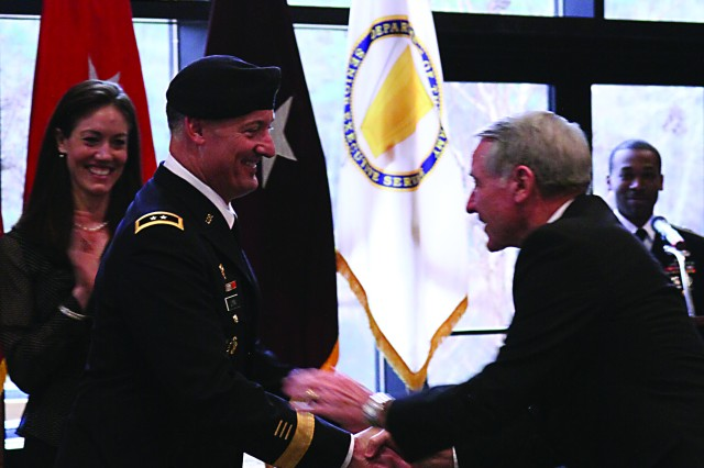 35th Signal Brigade. Chief of Signal earns second