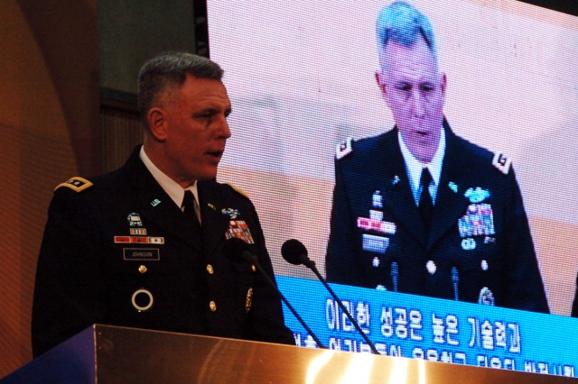 Eighth Army commander encourages graduates to lead