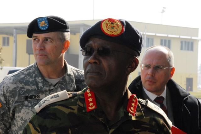 Kenyan Army Commander visits U.S. Army Africa