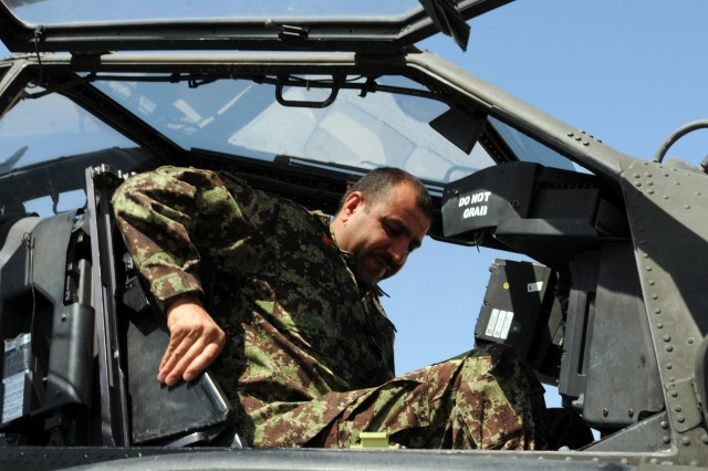 Afghan Air Force discusses partnership with TF Thunder