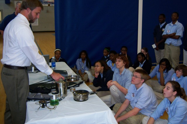 School kids learn from USACE