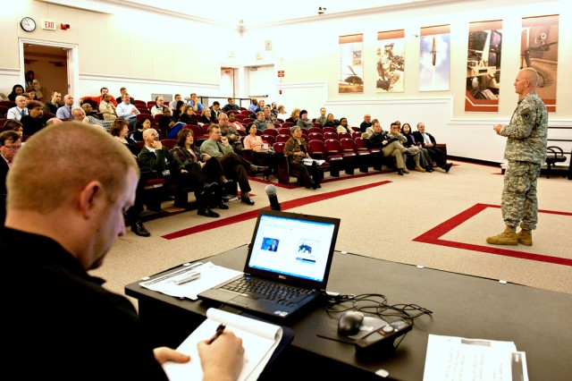 RDECOM chief of staff conducts town hall meeting