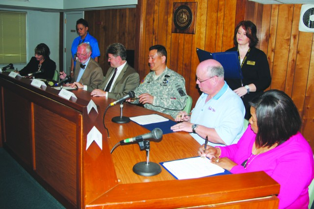 Chinn, Fort Polk area mayors pledge protection for children