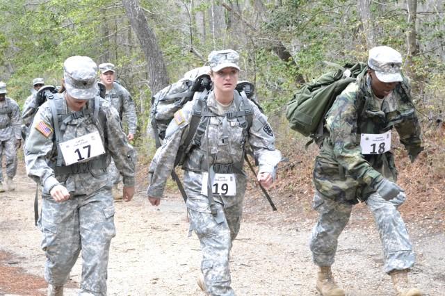 7th Sustainment Brigade Soldiers earn German Armed Forces Proficiency Badge