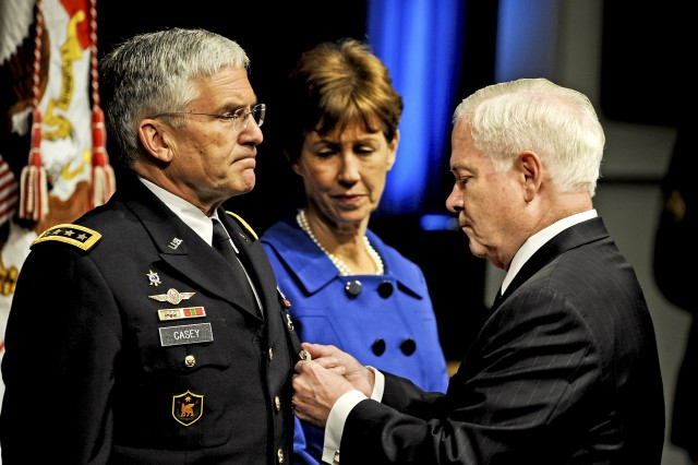 Gen. Casey presented with the Defense Distinguished Service Medal