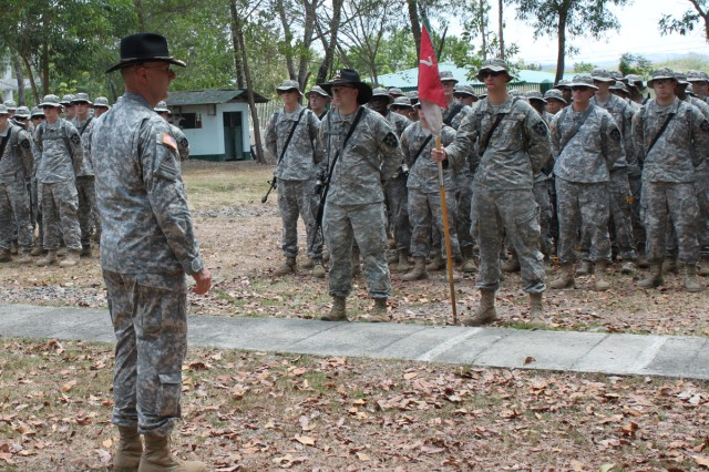 2nd ID commander visits Soldiers in Philippines