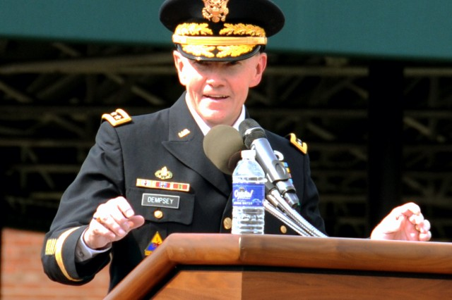 Dempsey speaks at Fort Myer