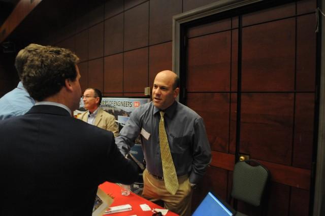 Corps engineers talk jobs at Tau Beta Pi clean tech mixer