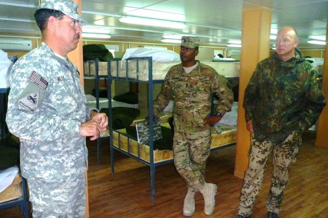 DCOM-RS sergeant major tours northern police training sites