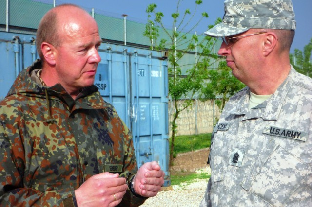 DCOM-RS sergeant major tours northern training sites