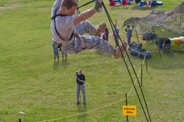 Photo Gallery: 2011 Best Ranger Competition Day 2