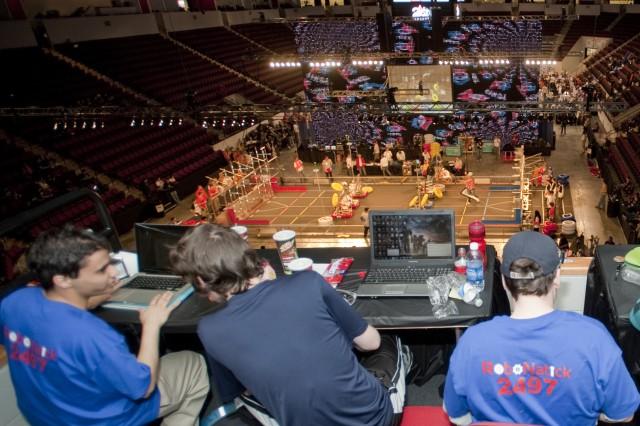 NSRDEC mentors robotics competitors