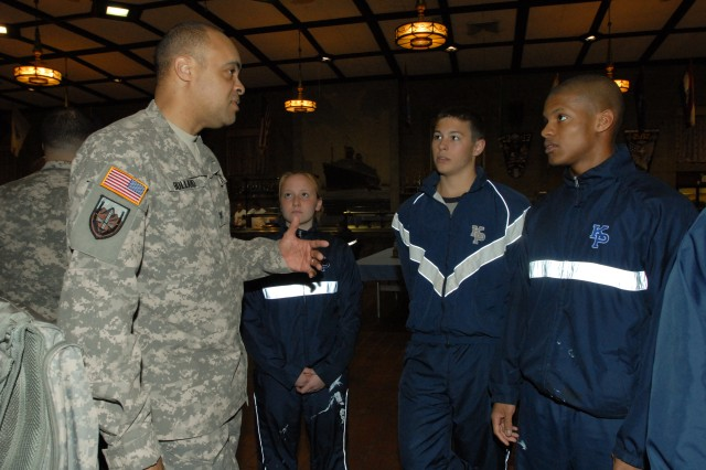Army Reserve, Merchant Marine Academy re-affirm partnership during Career Night
