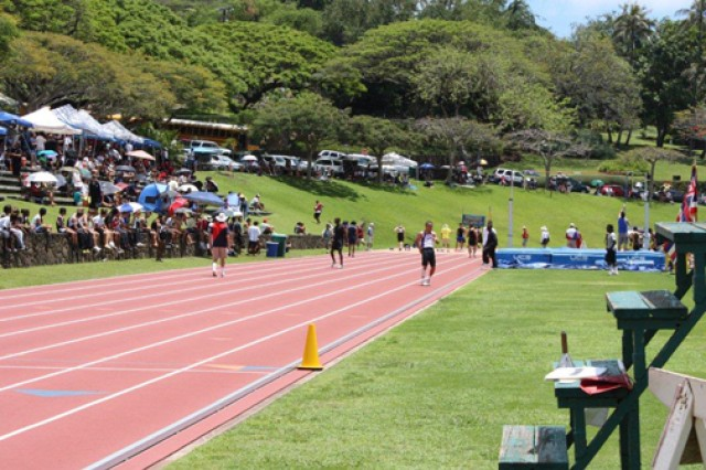 Green grabs gold at Punahou relay race