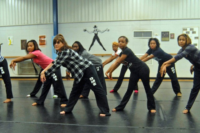 Dance director Niki Hunkapillar leads her dance class at Lee High School. The class will perform at Panoply this weekend.