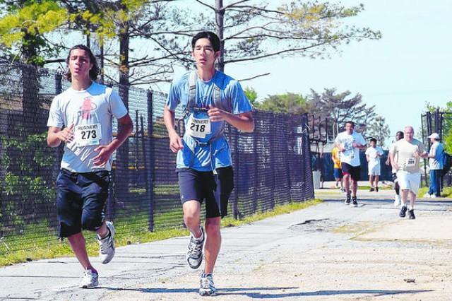 Meade athletes show school spirit, support 5K