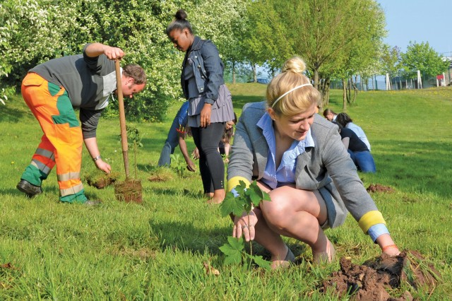 Baumholder students do their part for the environment