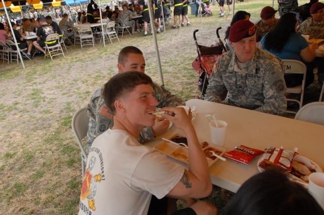 Paratroopers connect with past, celebrate present during 2011 All American Week Regimental Picnics