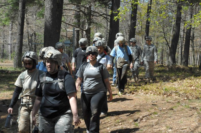 Infantry spouses participate in day of military activities