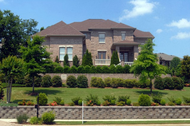The Huntsville Area Association of Realtors home listings offer a wide variety of housing to meet all lifestyles, including homes in the Highland Lakes neighborhood in Madison.