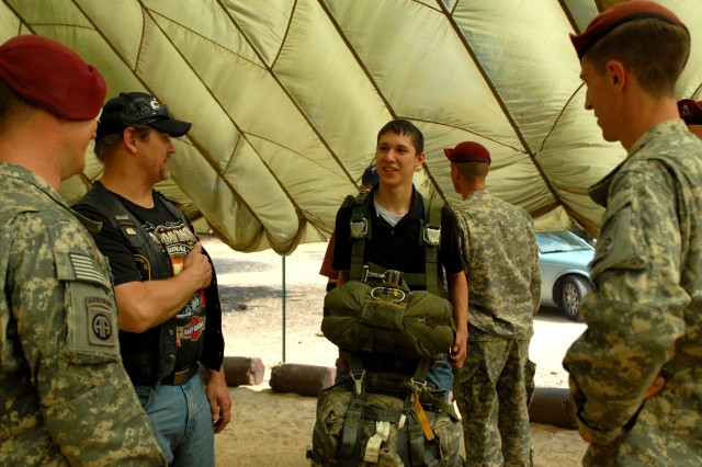 Paratroopers Demonstrate Capabilities to Public during Joint Operational Access Demonstration