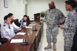 Battalion holds English class for Suwon police
