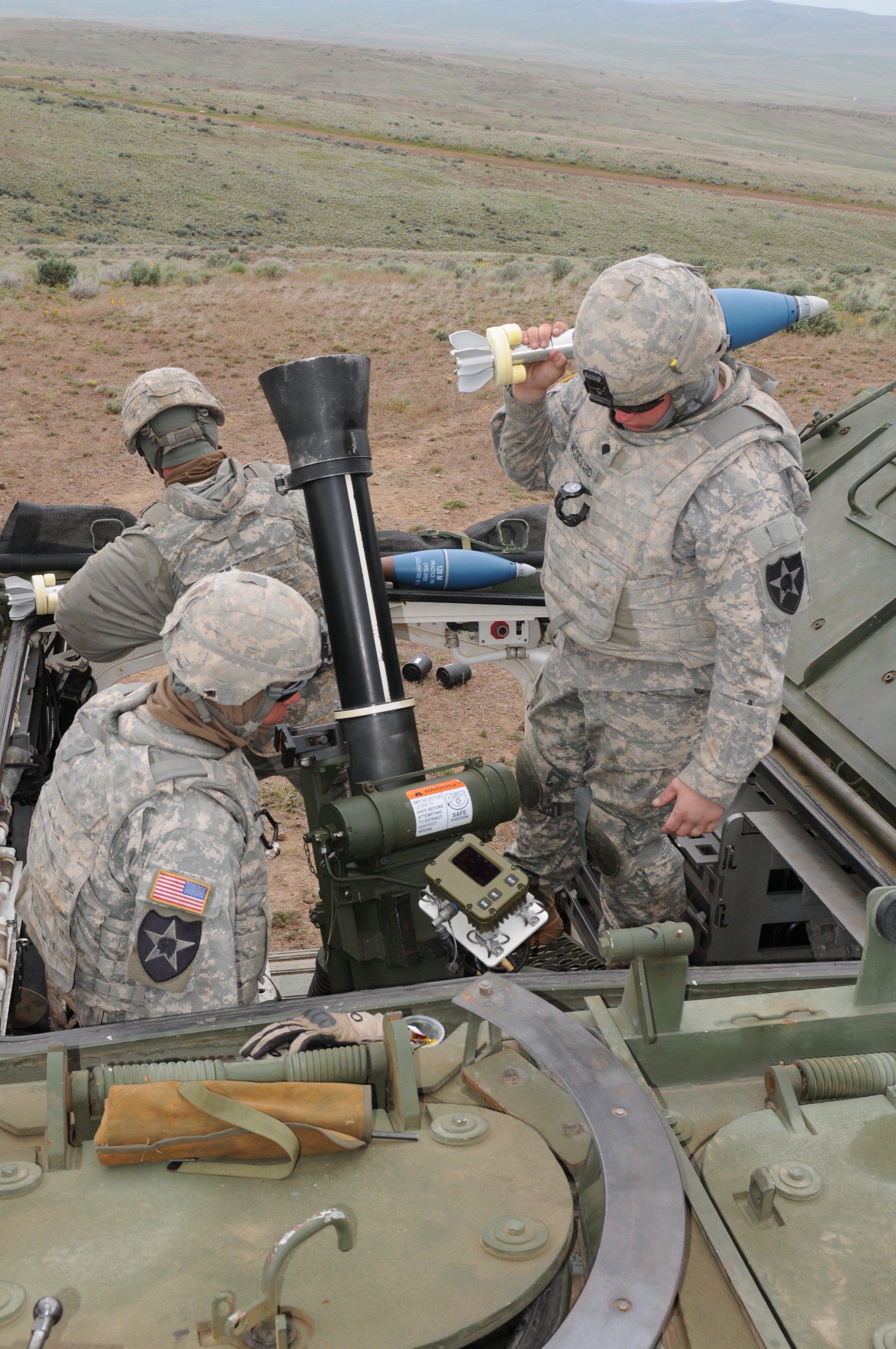 U S Army Heavy Mortar Platoon : Mortar platoon soldiers more than just a team article