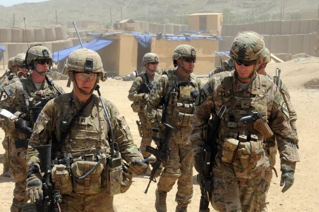 Task Force Sluggers Capt Andrew Miller Left Commander Of Company A