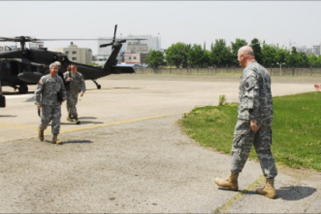 Gen. Sharp visits Area IV before change of command