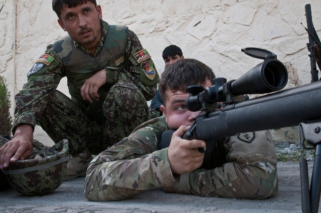 Infantryman teaches Afghan Soldiers marksmanship