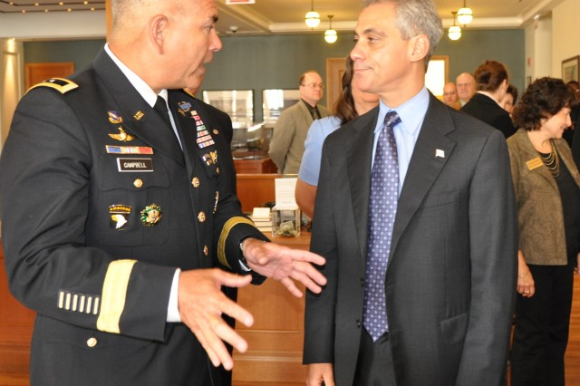 Major General John Campbell speaks with Chicago Mayor Rahm Emanuel at the Prizker Military Library.